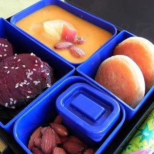 Lunchbox_крем супа от тиква и червено цвекло