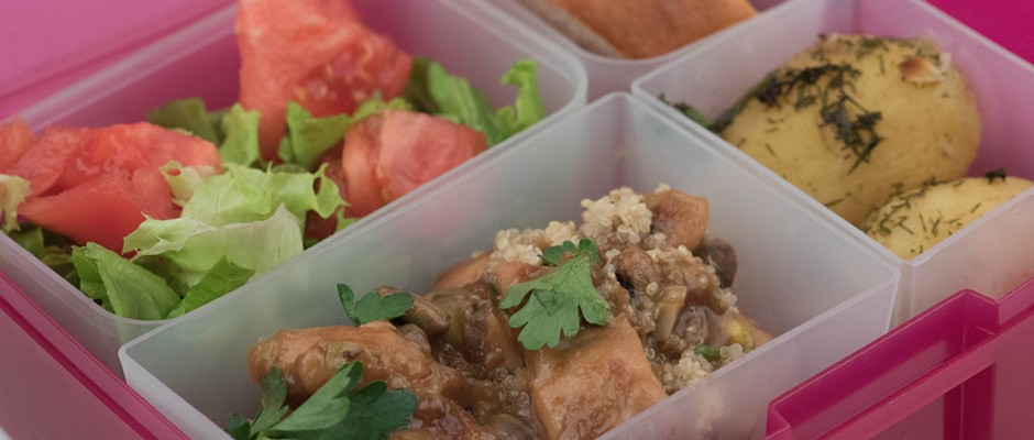 Lunchbox menu: Chicken with quinoa and cashew