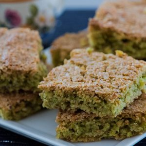 Gluten-free snacks with pistachio