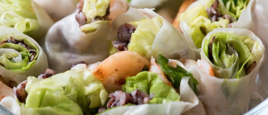 Оризови рулца със скариди и мента